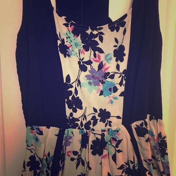 Xhilaration Dresses & Skirts - 🍋 Xhilaration Halter Dress with Pockets